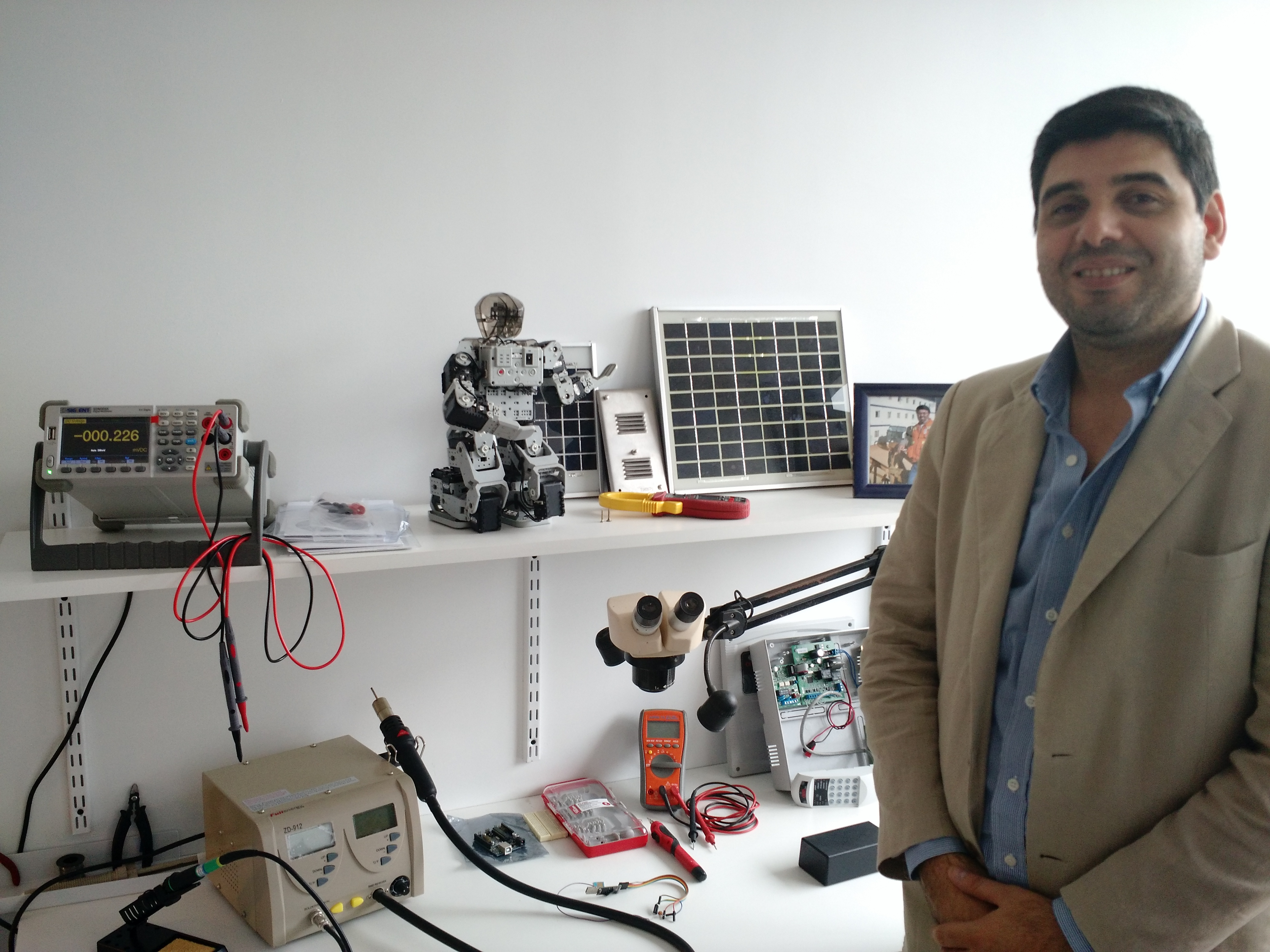 Omar Rivas,  presidente de AETTI y director general de AETTI Hub