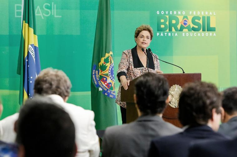 "Rousseff dice que el ""golpe"" es una ""venganza"" del jefe de Diputados, Eduardo Cunha"
