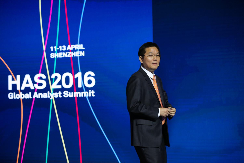 Patrick Zhang, Presidente del Departamento de Comercialización y Soluciones de Huawei