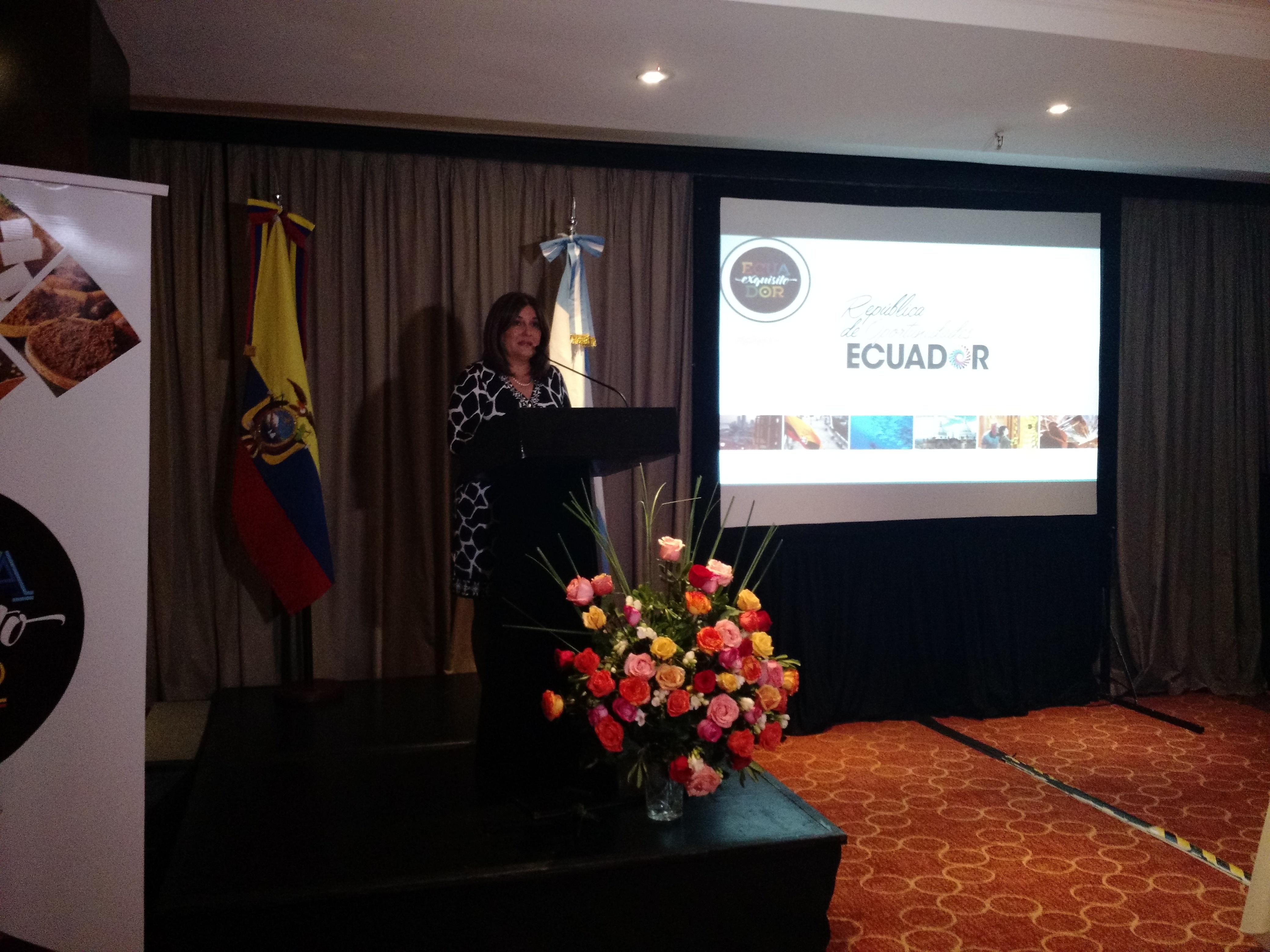 Gloria Vidal, Embajadora de Ecuador en Argentina