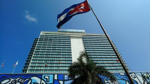 Cuba impulsa la construcción de hoteles