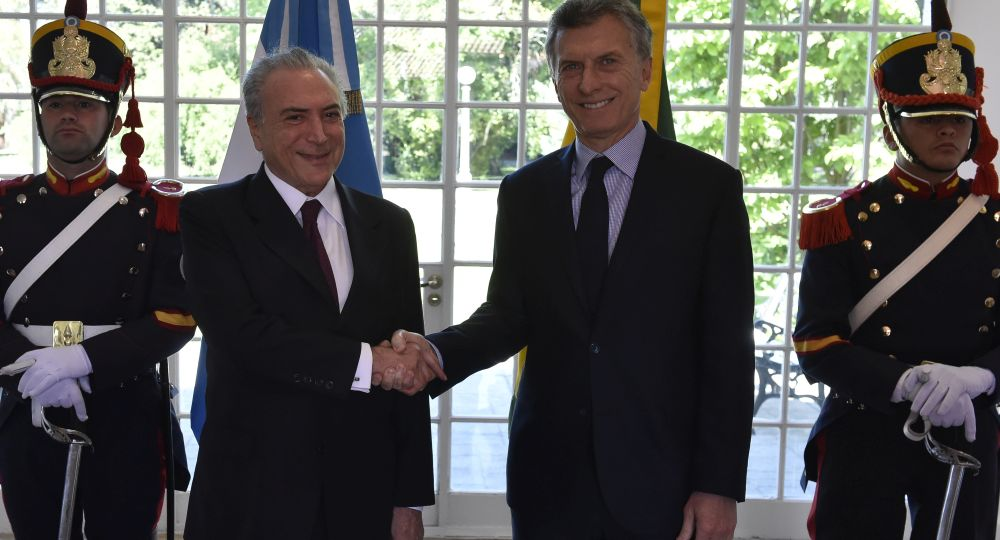 Argentina y Brasil impulsan liberar el comercio bilateral