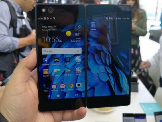 Axon M, el Smartphone plegable de ZTE en CES 2018