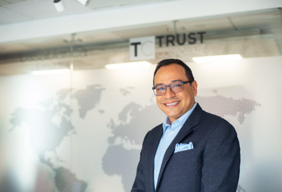 James Hernández, Trust Corporate